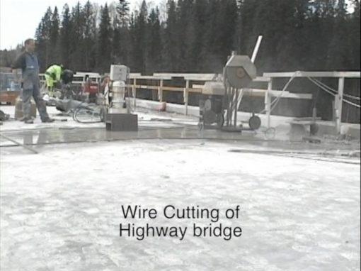 Vajersågning av motorvägsbro